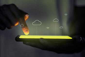hologram-projector-screen-with-cloud-system-technology